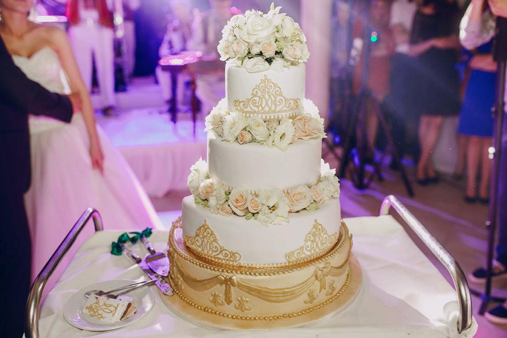 Γαμήλια τούρτα και γλυκά